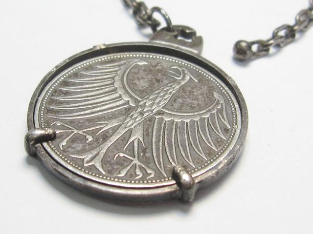 【Before】コイン枠の修理  大切な思い出の品、爪が折れたコイン枠が綺麗に直りました!