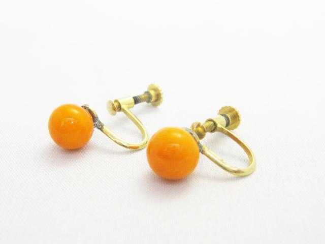 【Before】綺麗な色のサンゴのイヤリングをシンプルなピアスへ