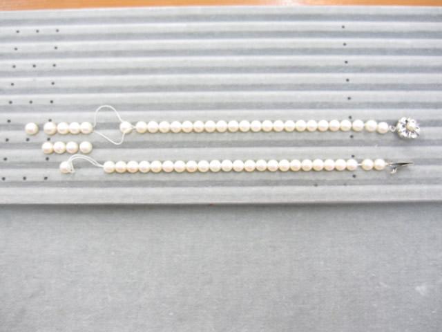【Before】真珠ネックレスの糸切れ修理  糸が切れてバラバラになった真珠ネックレスを連装し直し