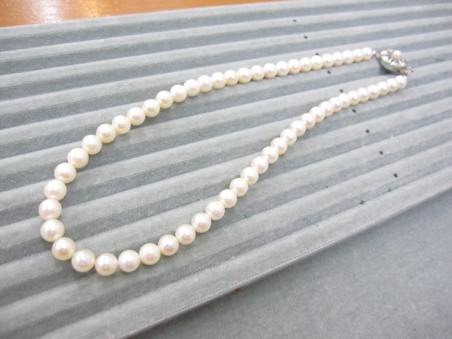 【After】真珠ネックレスの糸切れ修理  糸が切れてバラバラになった真珠ネックレスを連装し直し